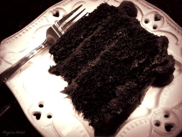blackandwhitecakeslice2