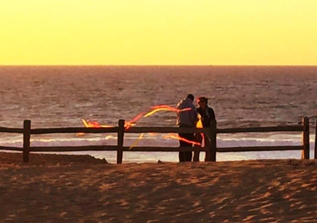 sanctuary beach kite people